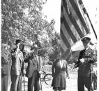 Civil War veterans Alex Ormiston and John Young salute the flag in 1939.