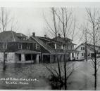 Water from the Maumee River reached houses on the east end of Edgewater Avenue. (News-Sentinel file photo)