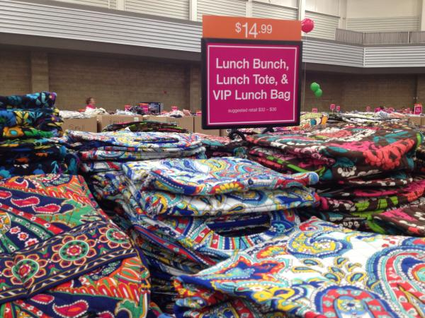 b871eadb2ca6 The Vera Bradley Outlet Sale also has lunch bags of all sizes and purposes.  (